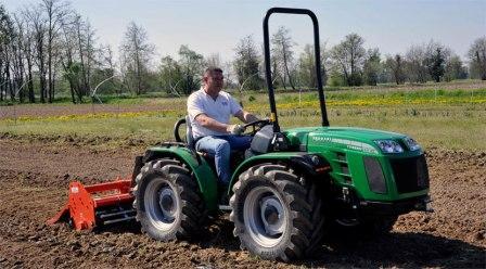 Мини-трактор – незаменимый помощник на земле